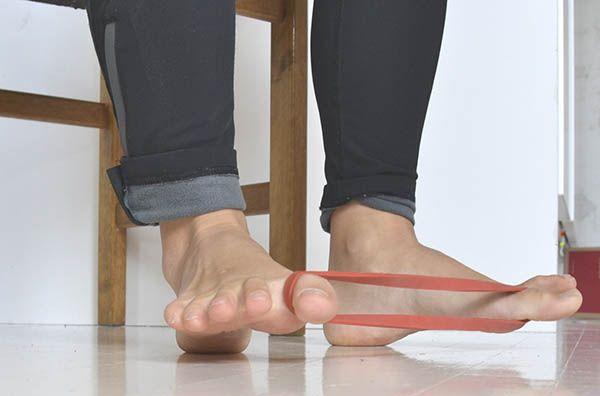 esercizio con elastico